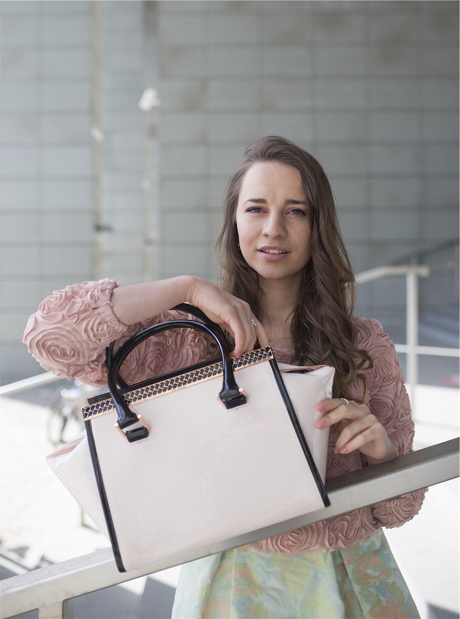 fashion-blogger-kateillustrate-tedbaker-skirt3