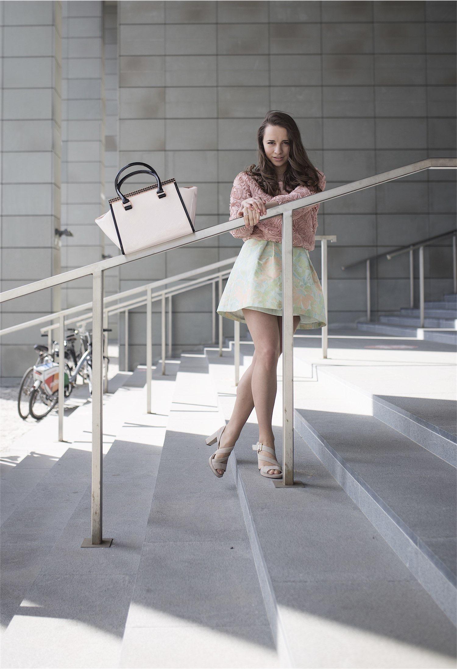 fashion-blogger-kateillustrate-tedbaker-skirt5