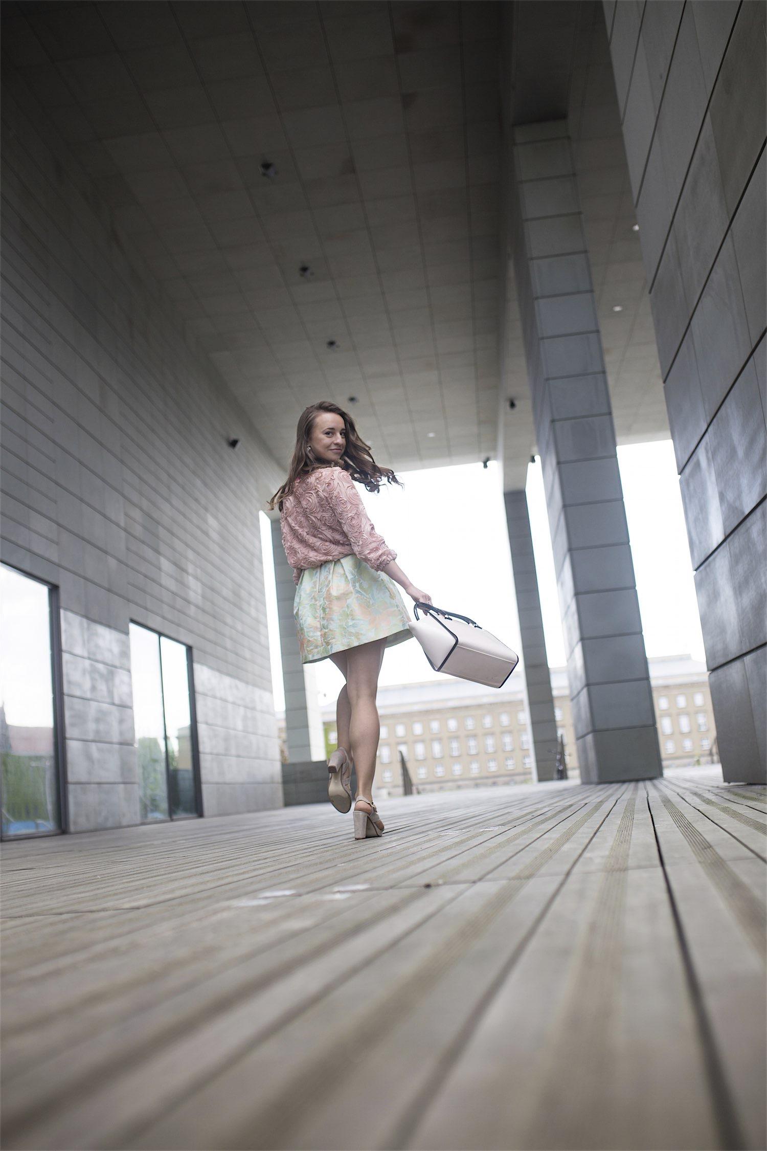 fashion-blogger-kateillustrate-tedbaker-skirt10