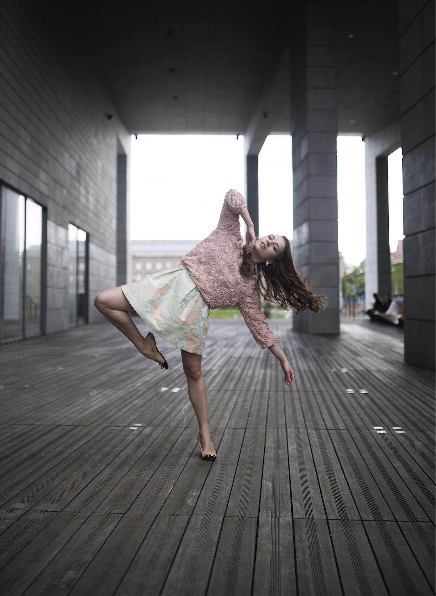 fashion-blogger-kateillustrate-tedbaker-skirt7
