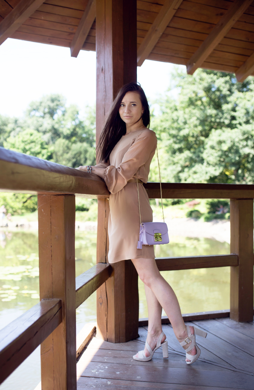 fashion-blog-kateillustrate-beige-dress1